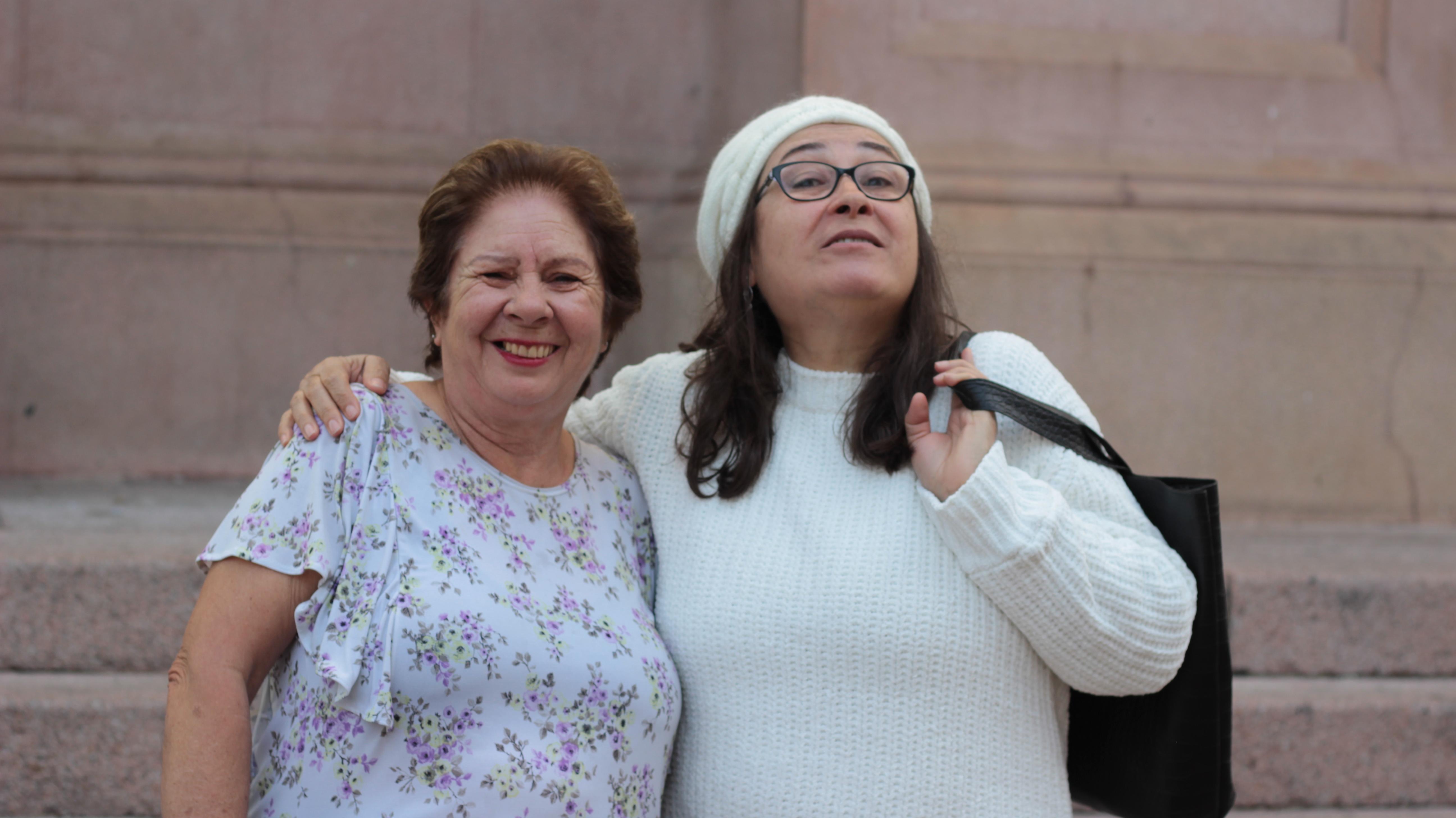 Moradora e blogueira Sandra Nascimento juntas no encontro